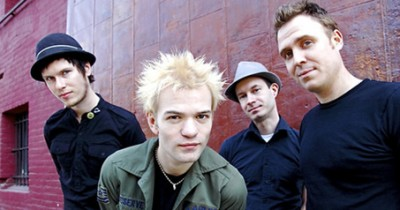 Sum 41 - Nothing On My Back