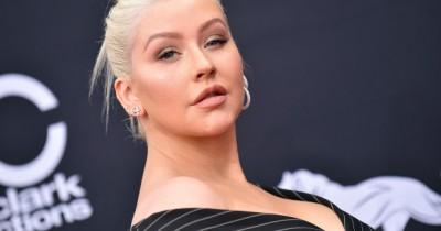 Christina Aguilera - Somebody's Somebody