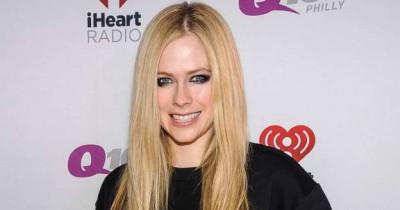 Avril Lavigne - Breakaway