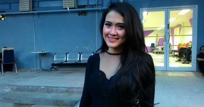 Meggie Diaz - Bulan