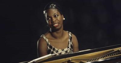 Nina Simone - Plain Gold Ring
