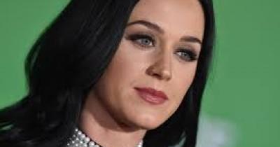 Katy Perry - International Smile