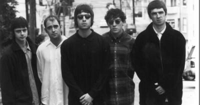 Oasis – Half The World Away