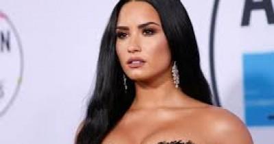 Demi Lovato - Moves Me