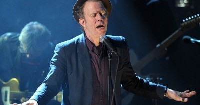 Tom Waits - Old Shoes (AND Picture Postcards)