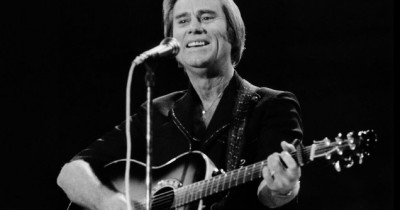 George Jones - Taggin' Along