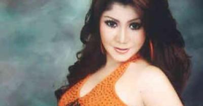 Erma Farany feat Yopie Latul - Perawan Bujang