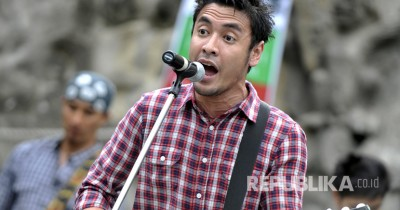 Ello feat Sherina - Ayo Indonesia Bisa