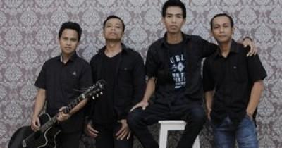 Prahara Band - Mencintaimu Karena Allah