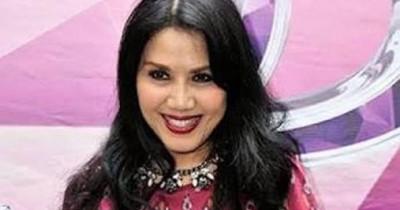 Rita Sugiarto - Bulan Diranting Cemara