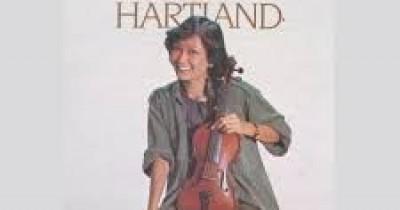 Ritta Rubby Hartland - April Yang Biru