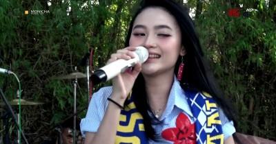 Arlida Putria - Sing Kuat