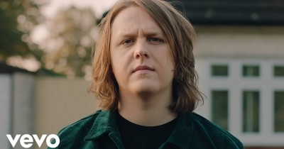 Lewis Capaldi - Maybe